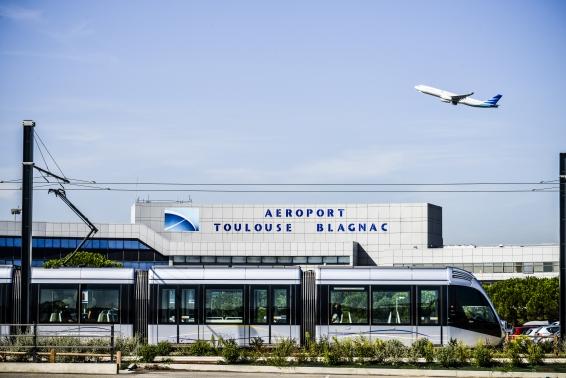 urban quartier Aéroport Blagnac... en Tram depuis notre maison