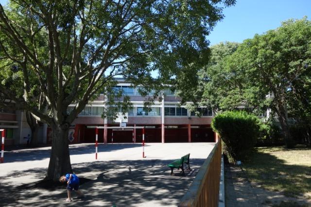 urban quartier Ancely : son école primaire et maternelle