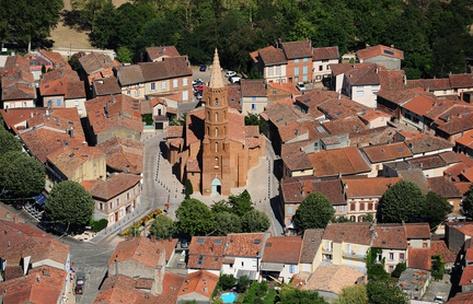 urban quartier Blagnac... un village autour de son église brique et galet
