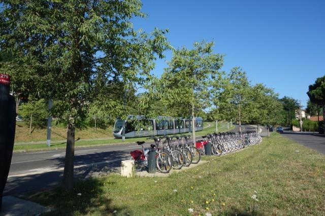 urban transport : Vlib et Tram pour un accès direct Toulouse Blagnac et Aéroport