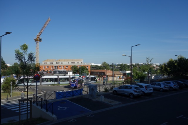 urban transport : Tram Toulouse, Blagnac, Aéroport - Bus direct Toulouse centre ville