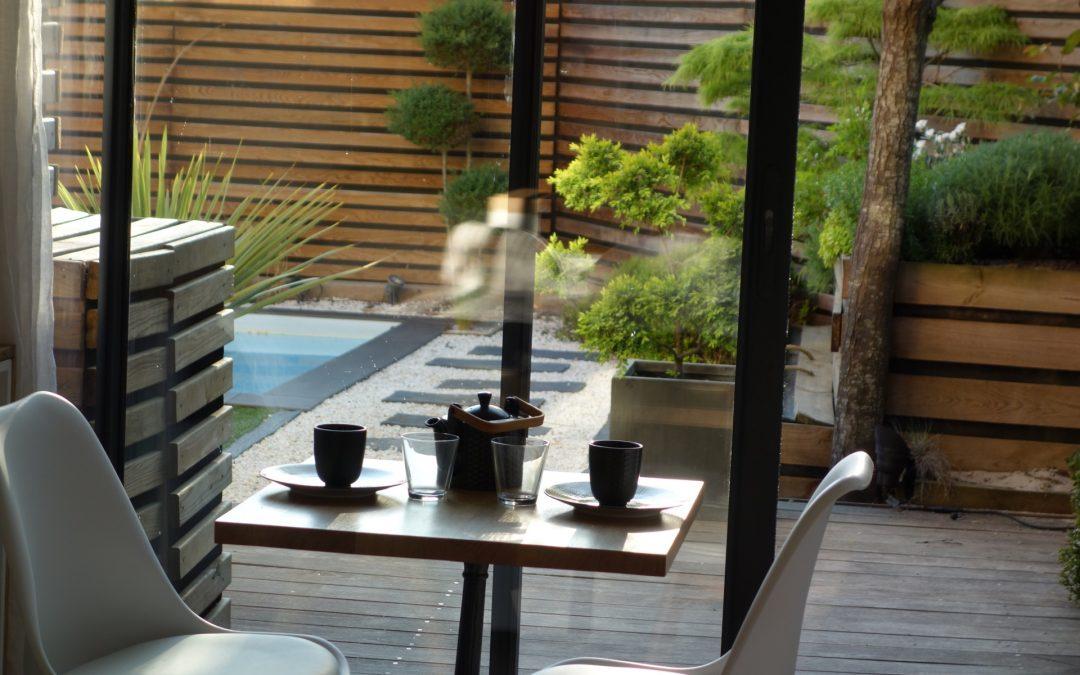 Urban-House Toulouse : chambre d'hôte bois & nature, jardin zen, sauna IR, piscine